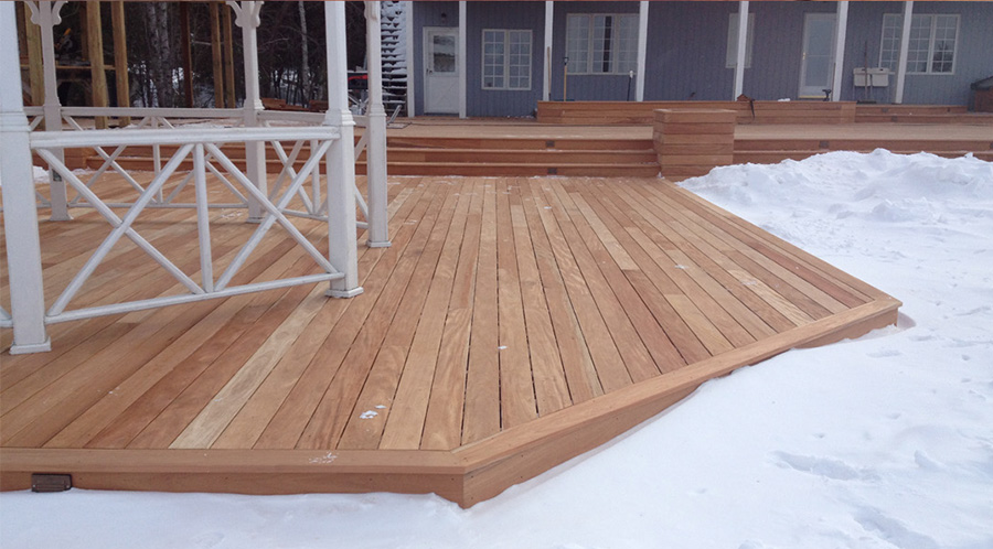 mahogany deck snow